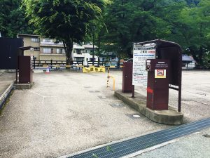 旧庁舎記念館裏駐車場